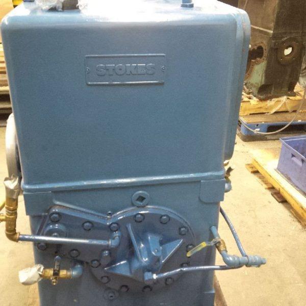 Side view stokes vacuum pump